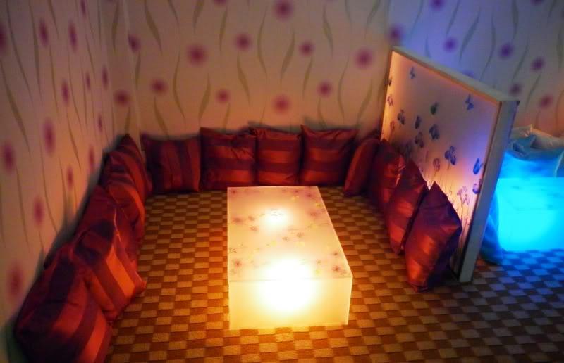 NaJarh Kàfe, quán cà phê phong cách teen dành cho đôi bạn, nhóm bạn trẻ