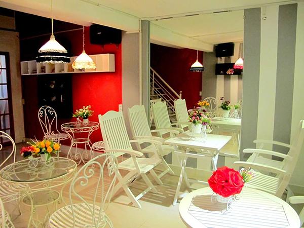 Qeebee Coffee, quán cà phê xinh xắn dành cho các bạn trẻ.