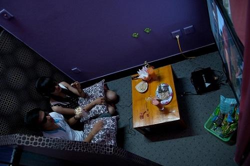 Full House, xem phim màn hình 100 inch tại Hà Nội