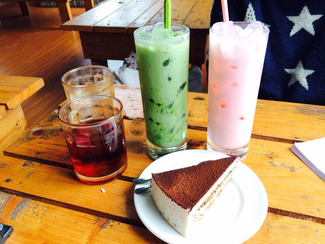 Daisy 2 Cafe, bánh ngọt và thức uống hấp dẫn của quán